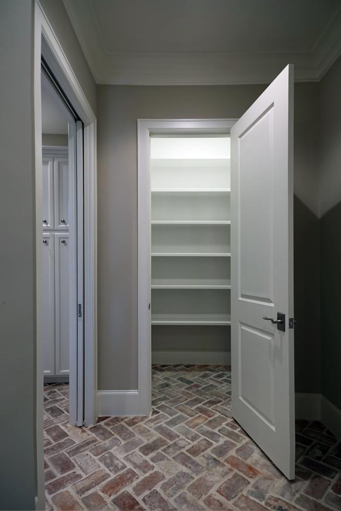 dsc00825-pantry