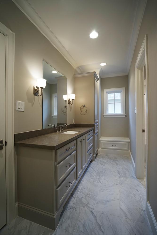 upstairs-bathroom